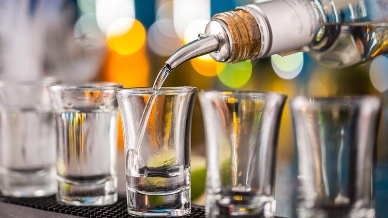 مصرف مشروبات الکلی و تخریب عضلات در ورزشکاران