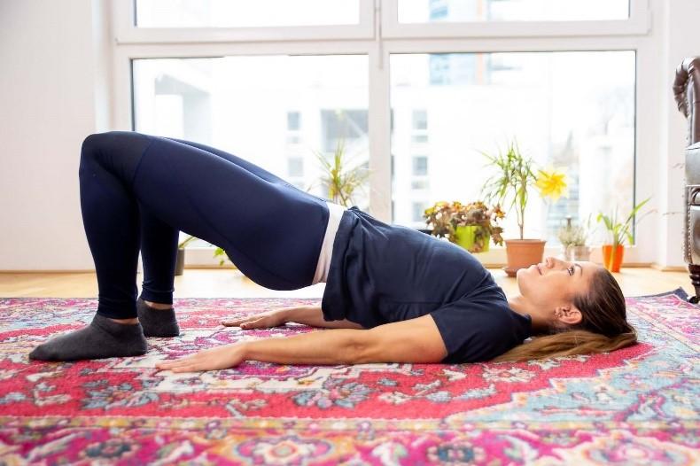 ۱۵ تمرین خونگی برای تقویت و فرم دهی عضلات باسن