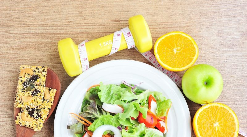آیا مصرف میان وعده به کاهش وزن کمک میکنه یا نه؟