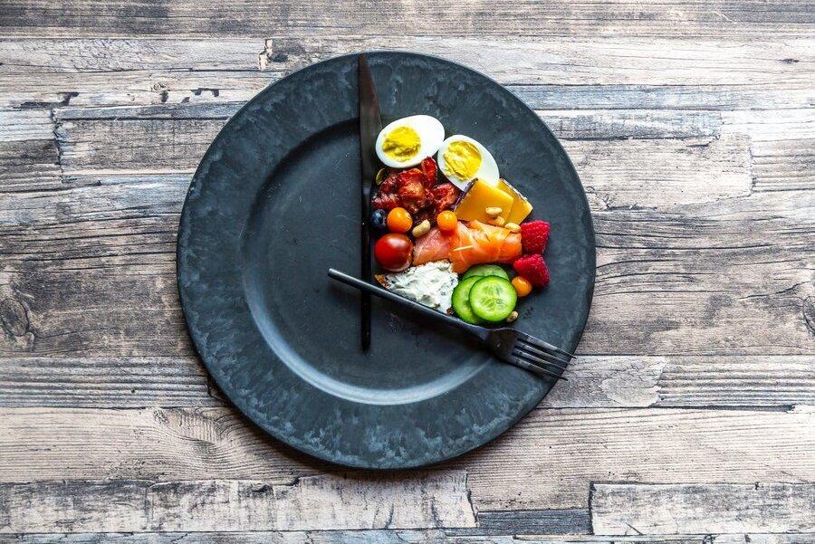 ۶ نکته برای کنترل میزان حجم پرس غذا در تعطیلات