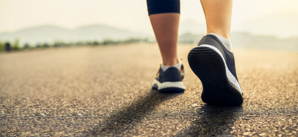 آیا واقعاً نیازه که ۱۰۰۰۰ قدم در روز پیاده روی کنید؟