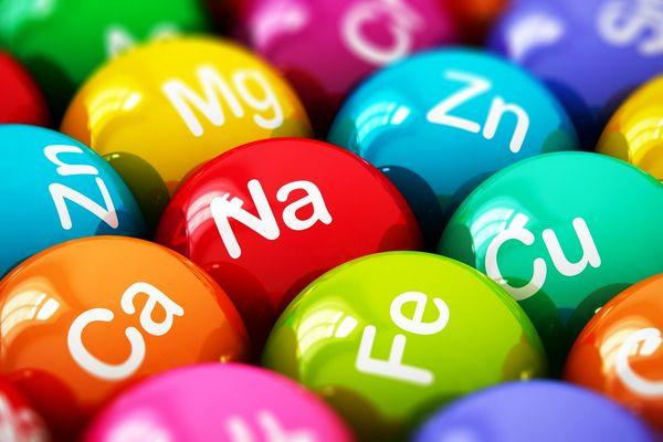 به گفته متخصصان تغذیه، اینها ۷ ماده ای هستن که مولتی ویتامین شما باید داشته باشه